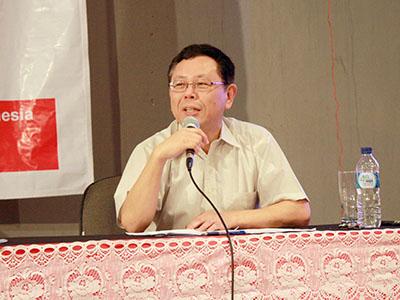 インドネシアで講演を行う筆者