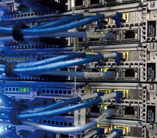 クラウド・エッジコンピューティング基盤を構築するサーバ