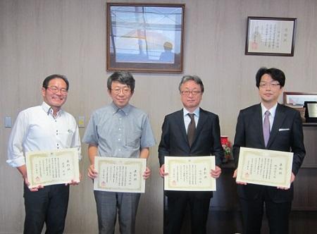 左から渡邉教授、西名教授、西崎教授、磯崎教授