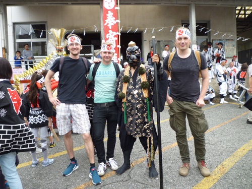 "With ""tengu"" in the festival"