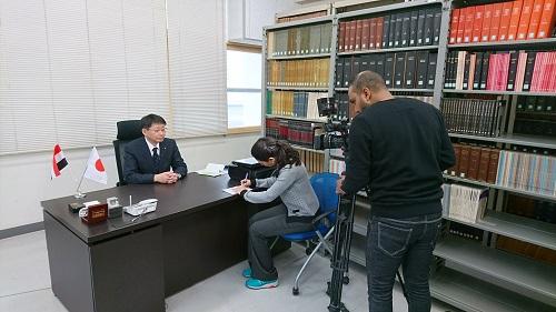 Professor Kawano being interviewed.