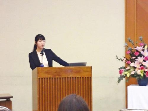 卒業生による講演