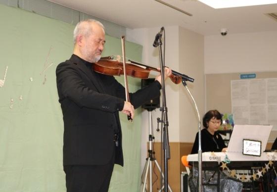 沖田夫妻によるビオラとピアノ演奏