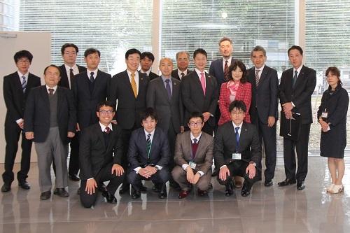 片山さつき 内閣府特命担当大臣が広島大学を視察しました ...