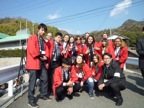 HUSAプログラムのインターンシップ受講生と応援学生