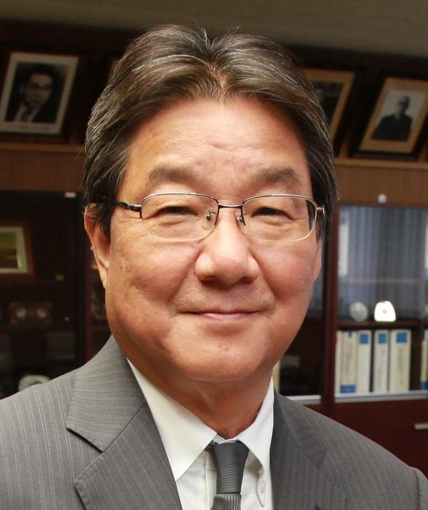 Dean of the Graduate School of Engineering, Atsushi Sugeta