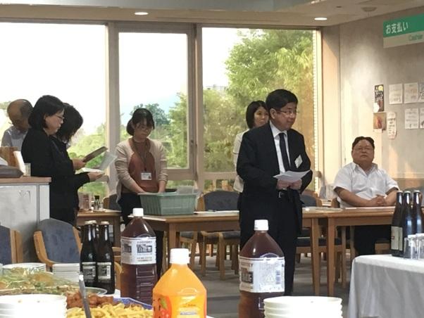 千田経済学部長の挨拶の写真