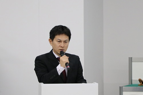 徳永准教授による演奏曲説明