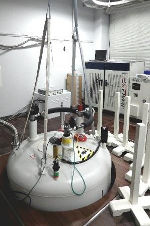写真:楯先生の研究室の装置