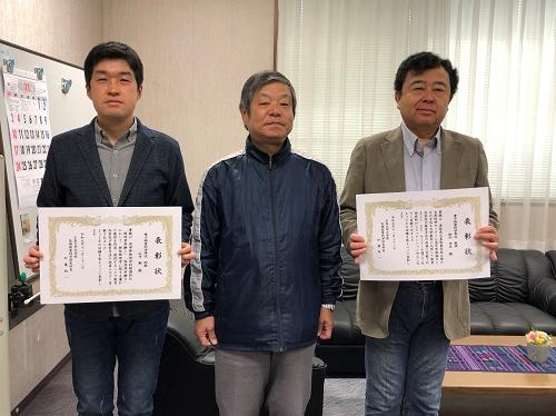 向かって左から、石井助教、加藤研究科長、鈴木教授