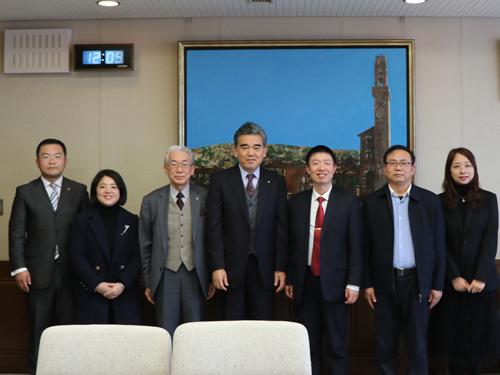 President Qiao from Yango University visits HU