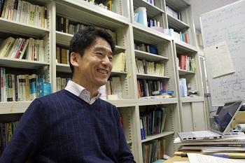 広島大学の良さについて語る齋藤教授