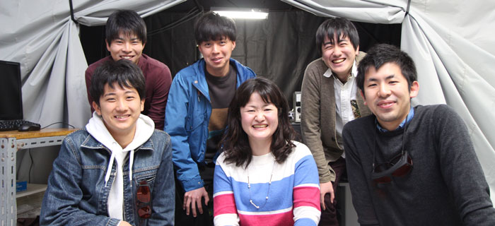 Assistant Professor Yoriko Tominaga with students from her laboratory