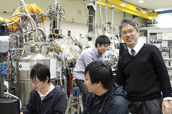Professor Kimura with his laboratory members