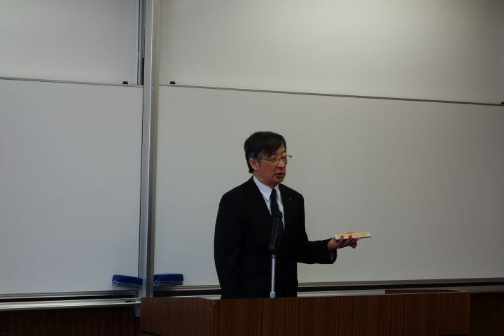 瀧研究科長による挨拶