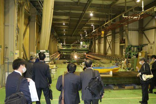 工学院试验水槽等实验设施公开展览