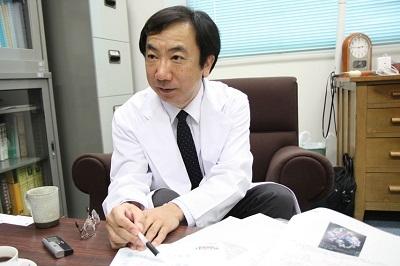 研究成果について説明する松浦教授