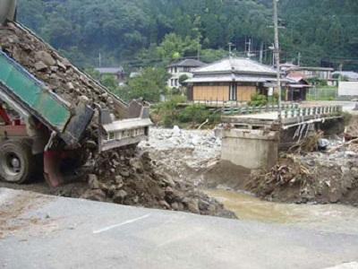 流橋による村の孤立化