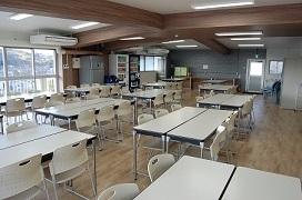 72人収容可能の食堂