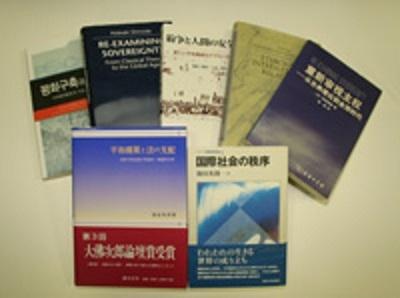 様々な言語に翻訳されたこれまでの著作