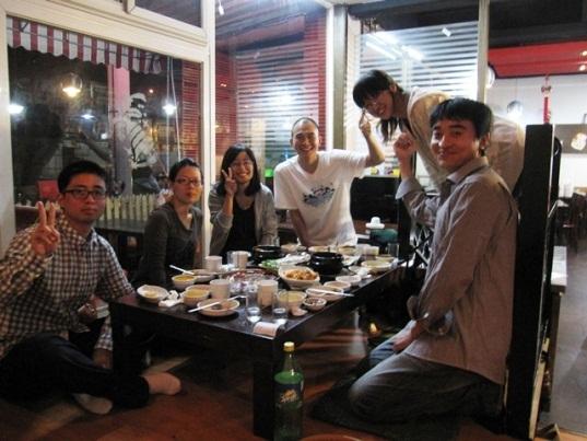 研究室の学生と食事へ 画像