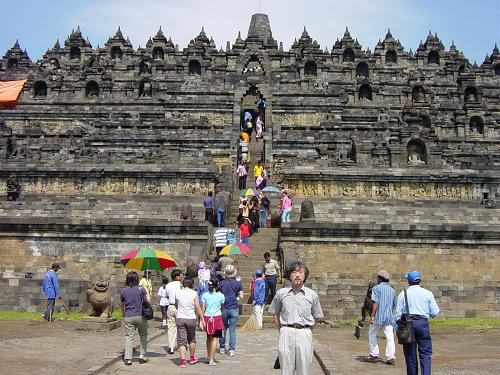 インドネシア・ジャワ島ボロブドゥール遺跡(YOGYAKARTA)にて