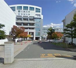 東千田キャンパス正門