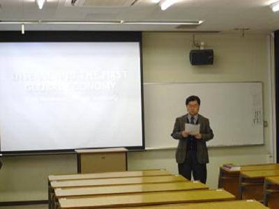 布川先生による開催挨拶&ハリソン博士の紹介(英語)