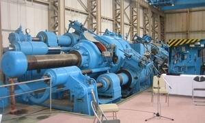 写真: 3000t大型試験機