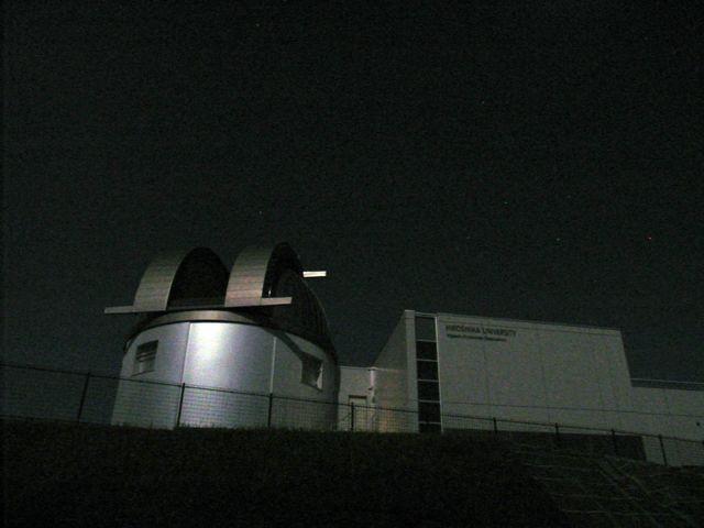 月で照らされたドーム施設3