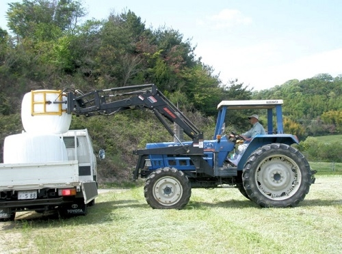ラップサイレージの運搬