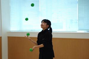 ボールジャグリング