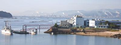 水産総合研究センター瀬戸内海区水産研究所全景