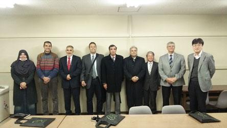エジプトのカイロ大学 Gaber Gad Massar 学長、Hany A.El-Shemy 農学部長ら5名が生物圏科学研究科を訪問