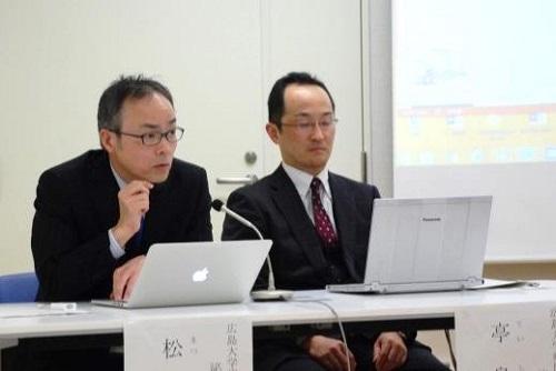 記者説明会 松原教授(左)亭島准教授