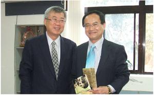 台湾大学の陳学長と江坂研究科長