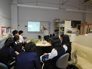 2017年附属福山中学生が先端研を訪問