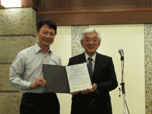 Wen-Dee Chiang先生と吉村研究科長