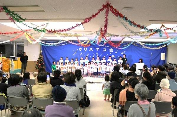 たんぽぽ保育園の園児たちの合唱