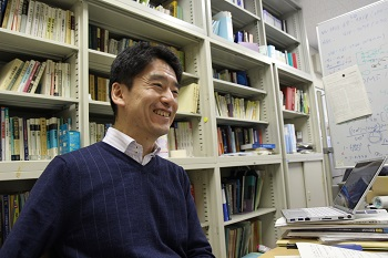 Professor Saitow talking about what he has found particularly good about Hiroshima University